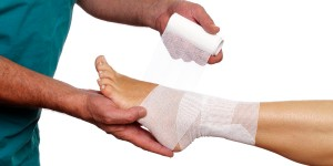 Wound-Care-foot-wrapping-iStock_000017255331_Full-e1450232319412