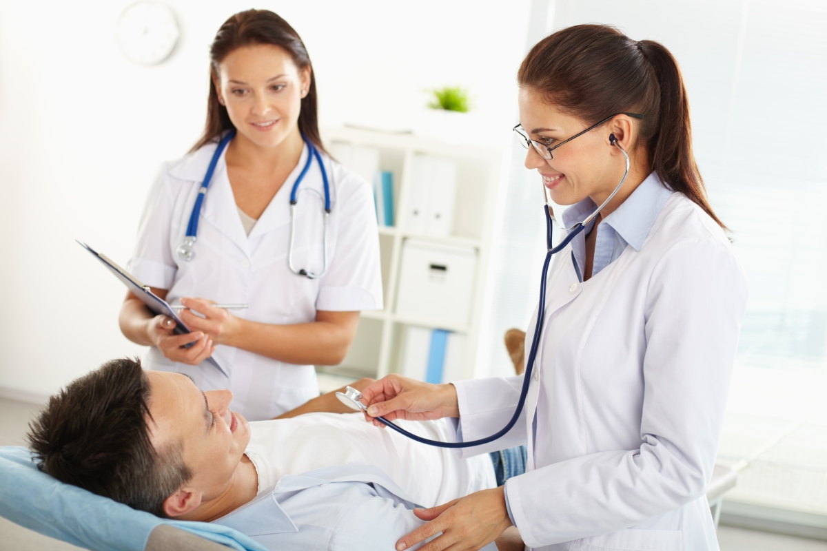 What is the Difference Between a Physician and Physician Assistant?