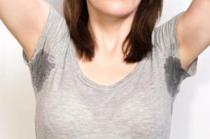 sweaty-woman-in-grey-shirt